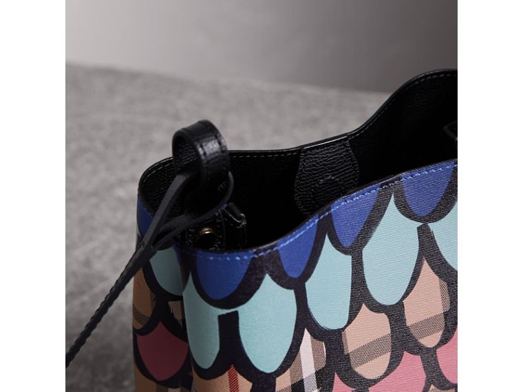 Trompe L'oeil Print Crossbody Bucket Bag - Women | Burberry - cell image 4