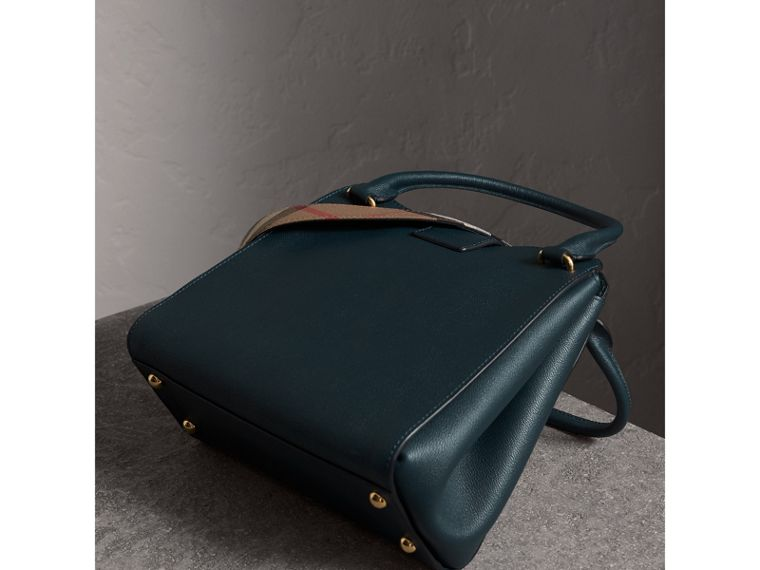 The Medium Buckle Tote in Grainy Leather in Blue Carbon - Women | Burberry Australia - cell image 4