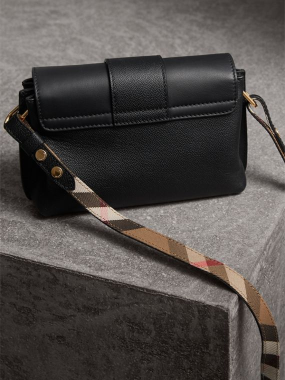 The Buckle Crossbody Bag in Leather in Black - Women | Burberry - cell image 2