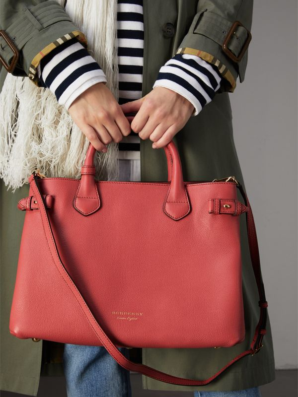 The Medium Banner in Leather and House Check in Cinnamon Red - Women | Burberry United Kingdom - cell image 3