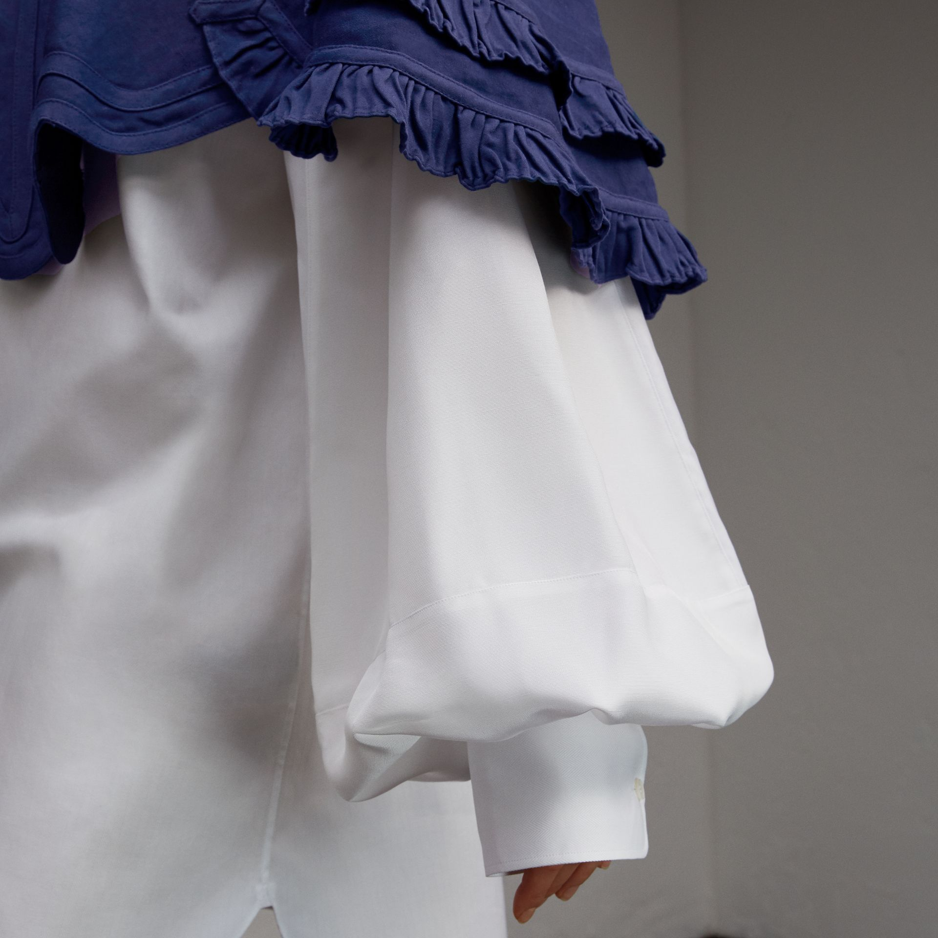 Ruffle Detail Ramie Cotton Capelet in Indigo - Women | Burberry - gallery image 5