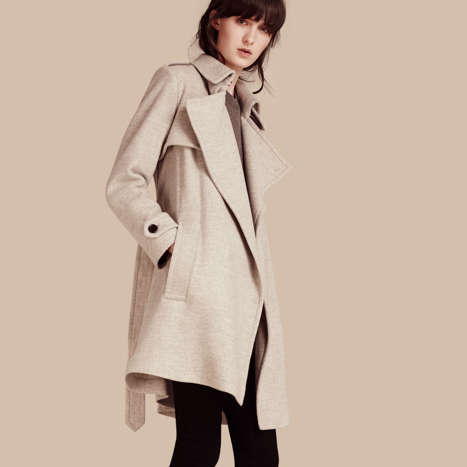 Blanc/gris Trench-coat portefeuille en cachemire - photo de la galerie 1