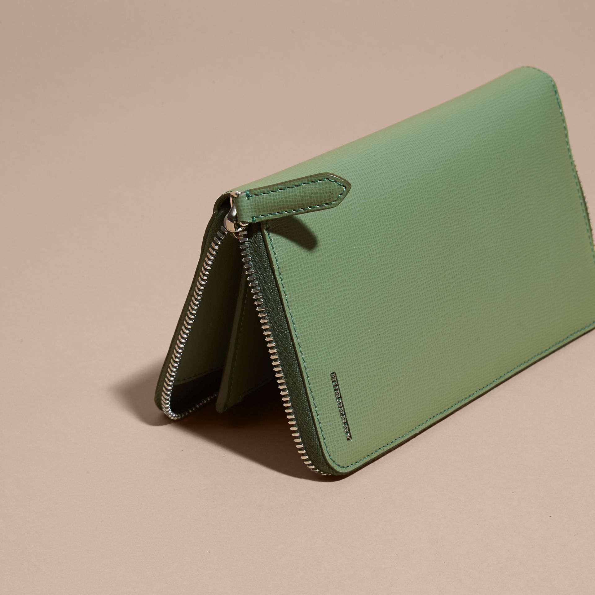 Antique green London Leather Ziparound Wallet Antique Green - gallery image 5
