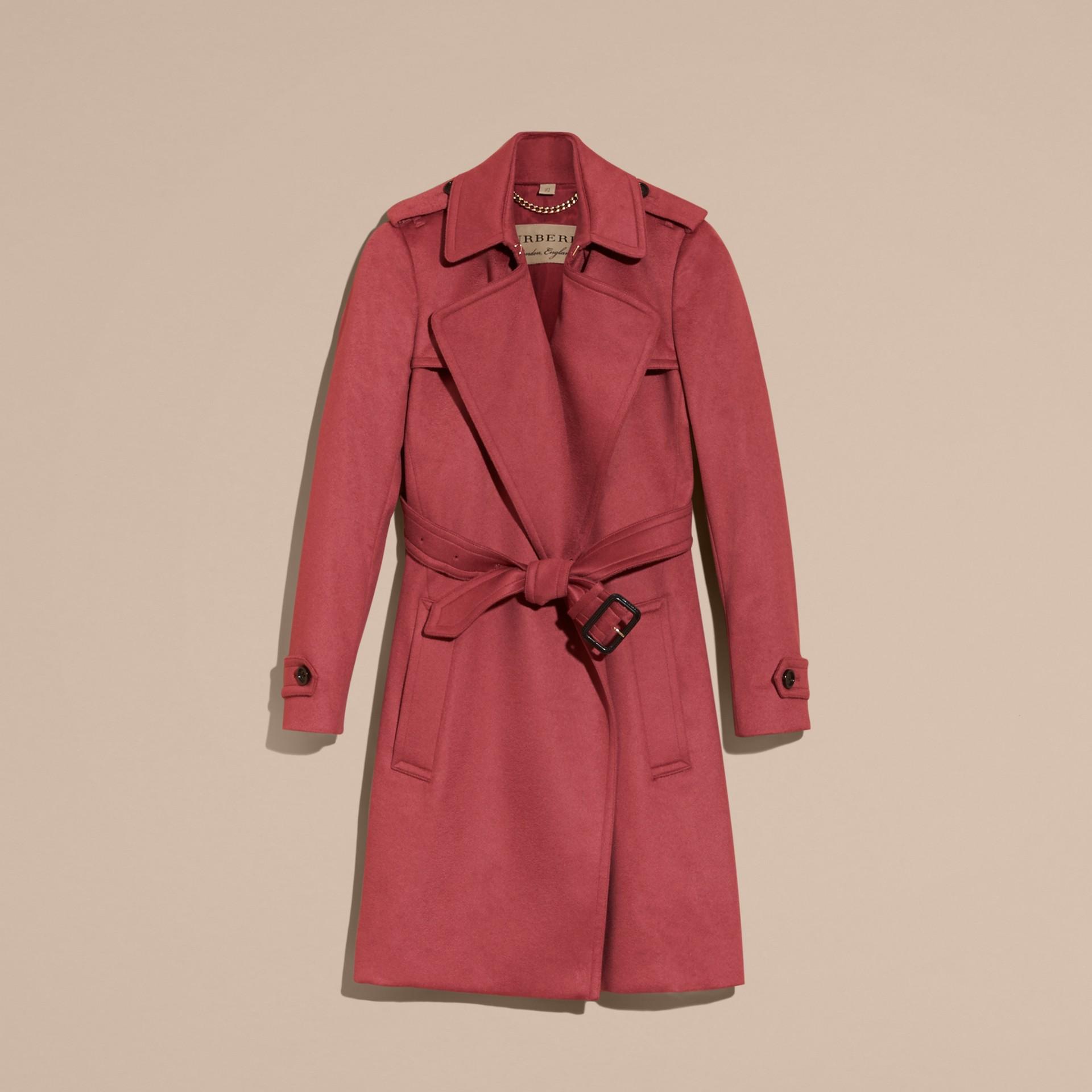 Rose pivoine cendrée Trench-coat portefeuille en cachemire Rose Pivoine Cendrée - photo de la galerie 4