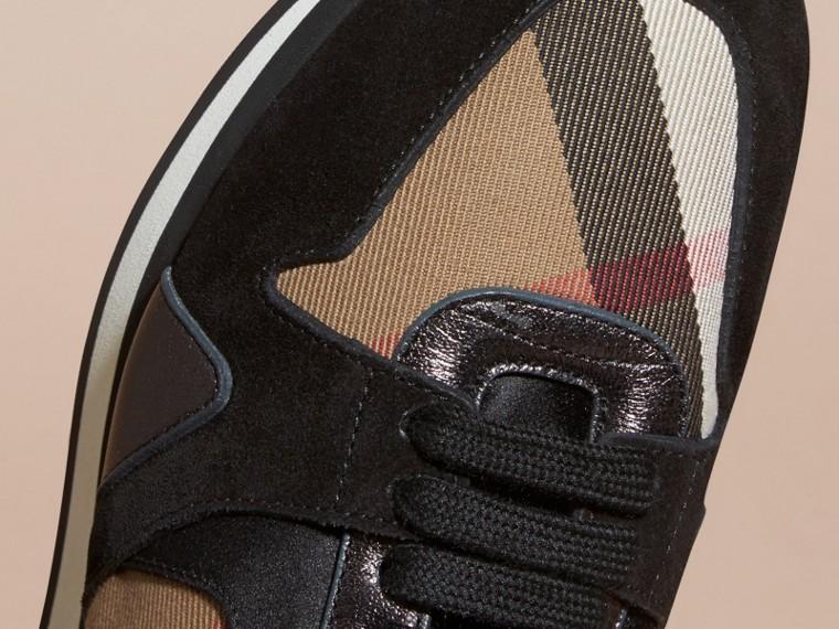 House check/smoke métallisé Field Sneakers en tissu à motif House check, cuir velours et cuir - cell image 1