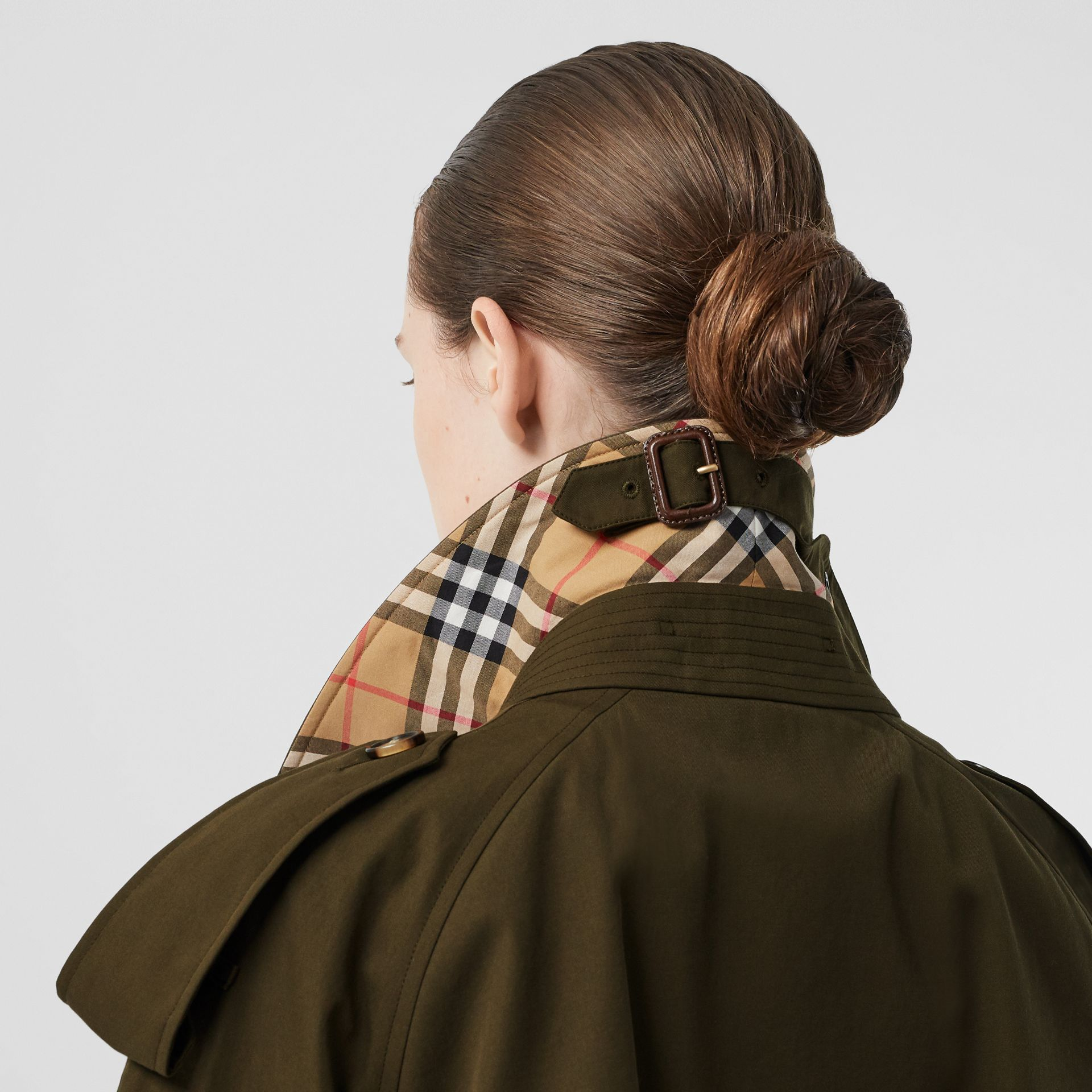 The Mid-length Westminster Heritage Trench Coat in Dark Military Khaki - Women | Burberry - gallery image 4