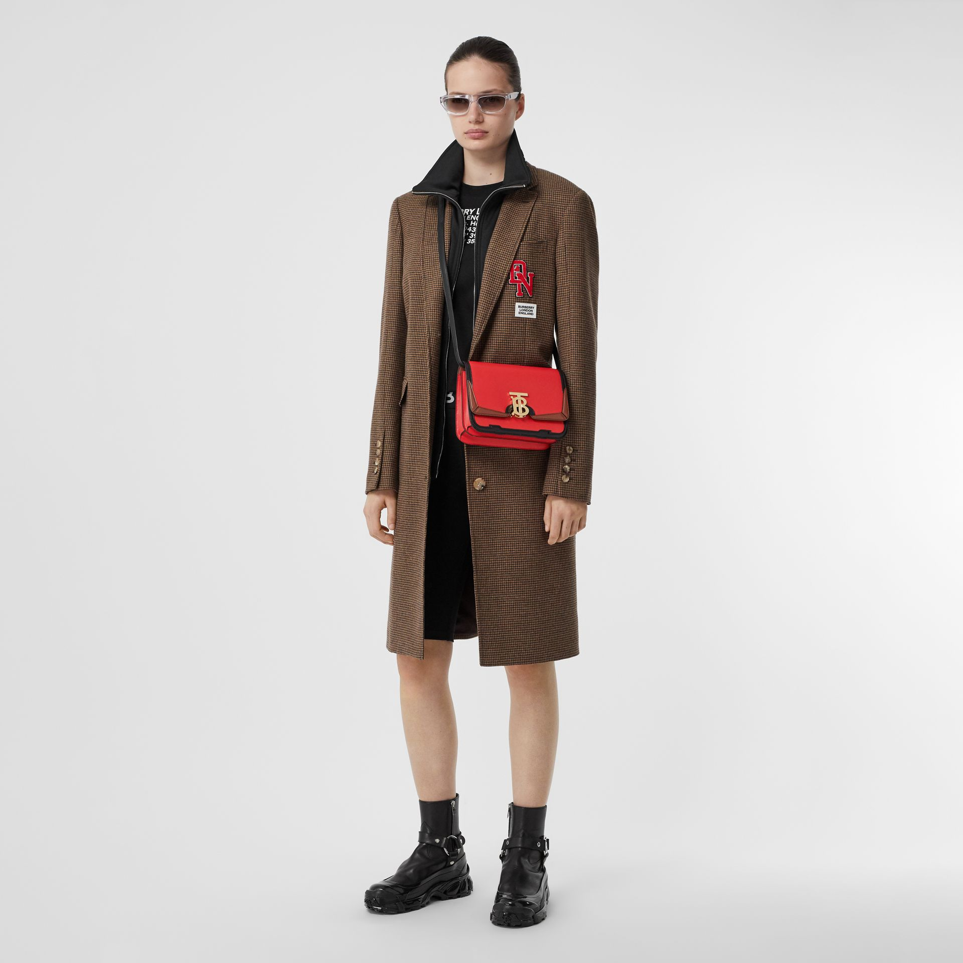 Petit sacTB en cuir avec appliqué (Rouge Vif) - Femme | Burberry - photo de la galerie 5