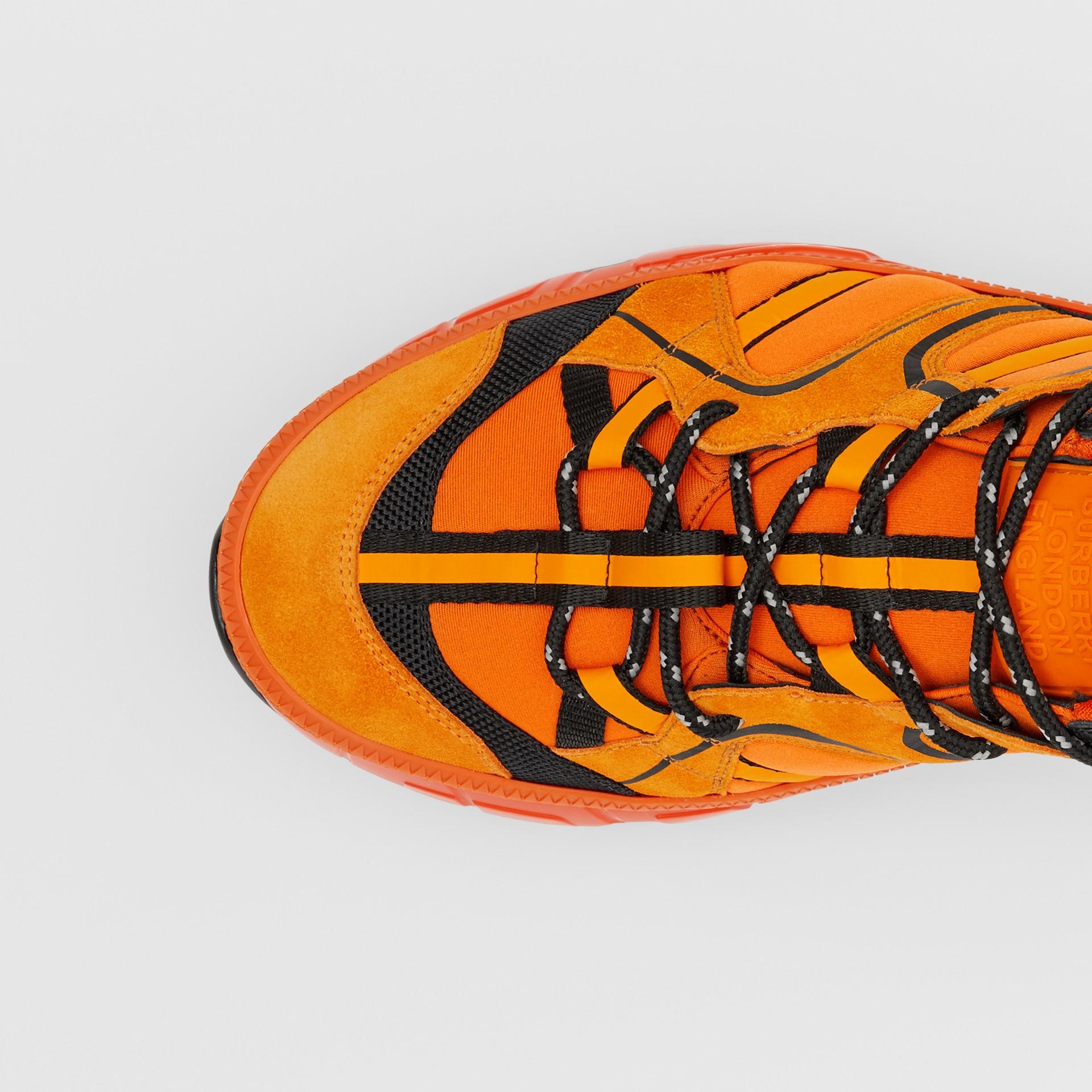 ナイロン・スエード&レザー ユニオン スニーカー (ブライトオレンジ) - メンズ   バーバリー - ギャラリーイメージ 1