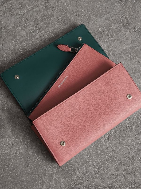 Two-tone Leather Continental Wallet in Dusty Rose - Women | Burberry Canada - cell image 3