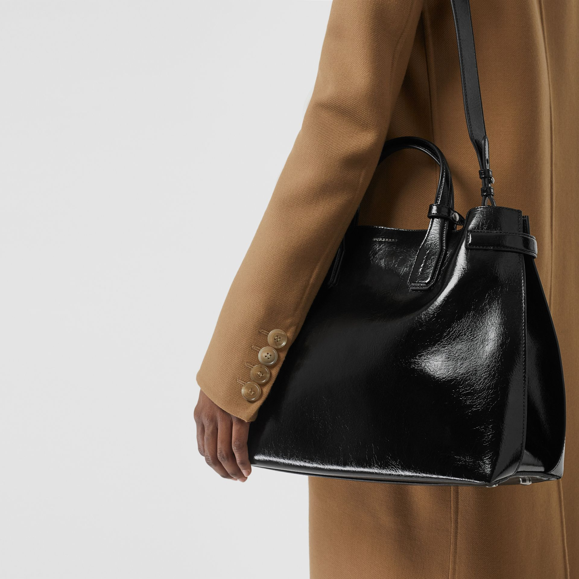 The Medium Soft Leather Banner in Black - Women | Burberry - gallery image 5
