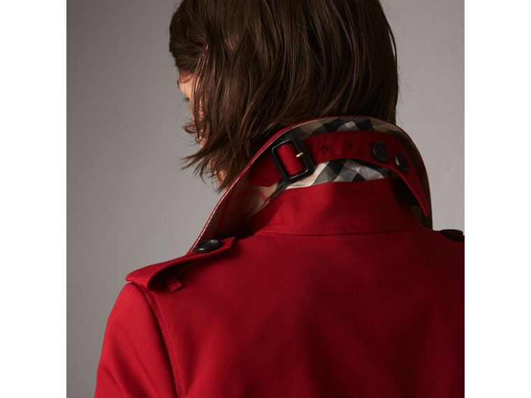 The Chelsea – Mid-length Heritage Trench Coat in Parade Red - Women | Burberry Singapore - cell image 1