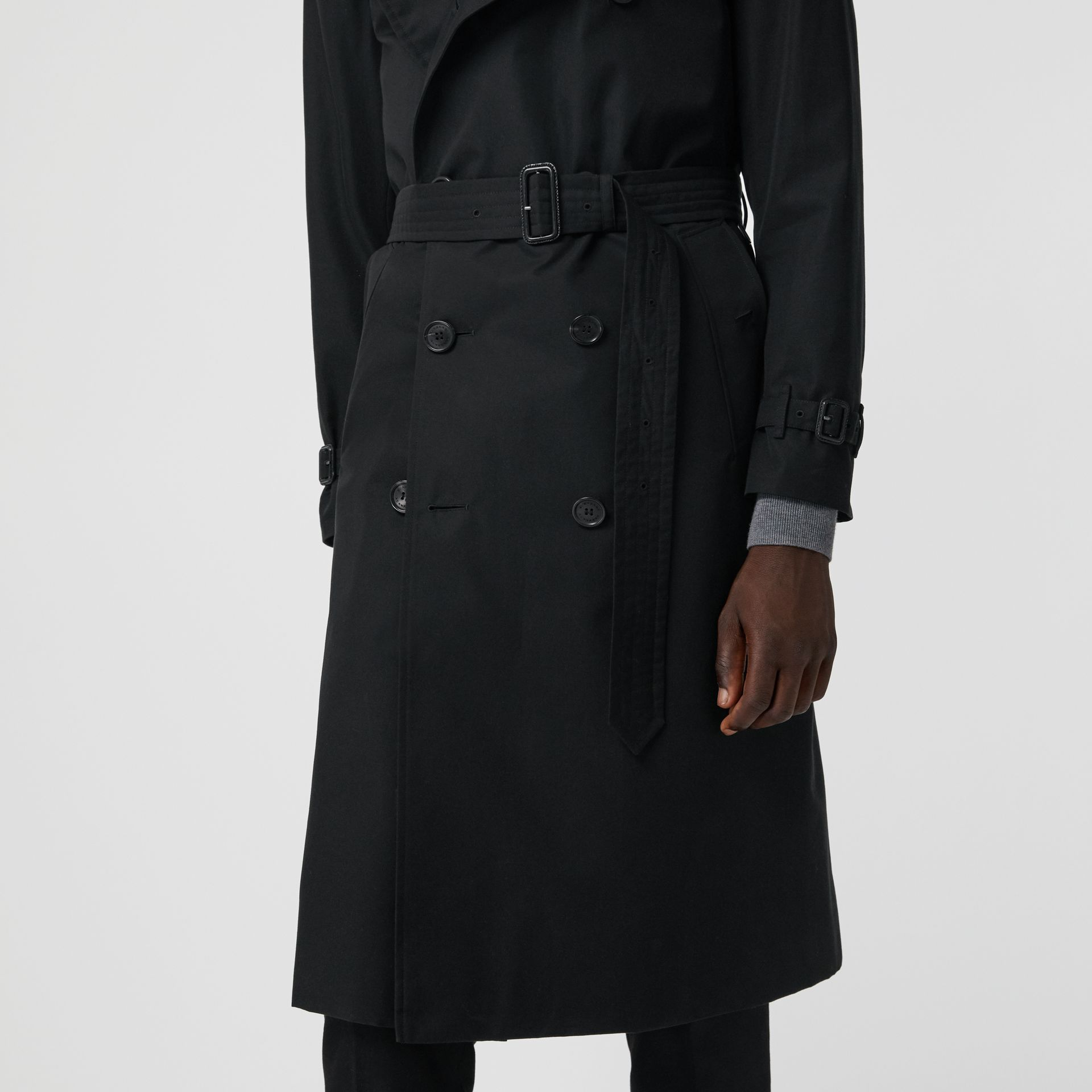The Long Kensington Heritage Trench Coat in Black - Men | Burberry Singapore - gallery image 4