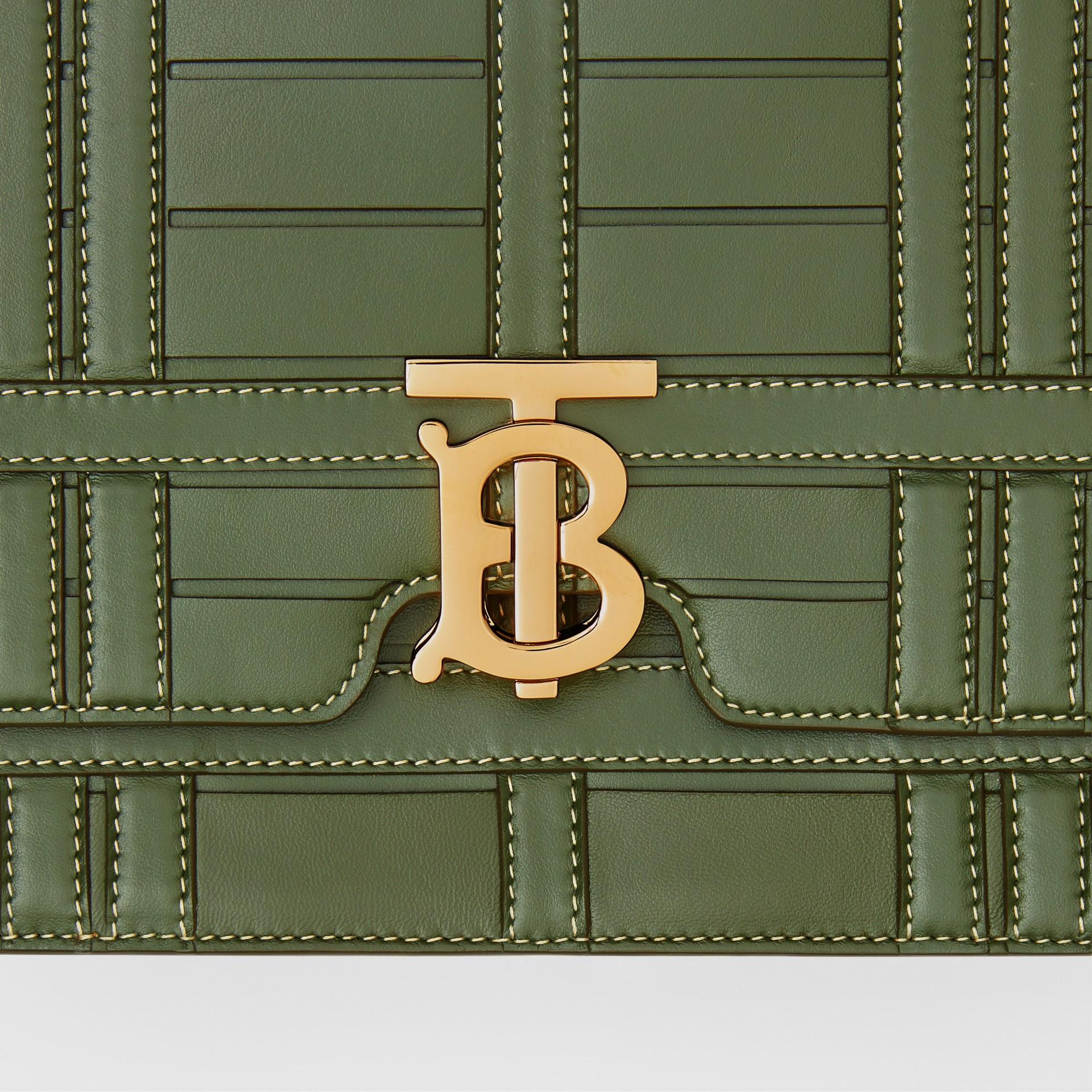 Bolsa TB de couro trançado - Média (Verde Sálvia) - Mulheres | Burberry - galeria de imagens 1