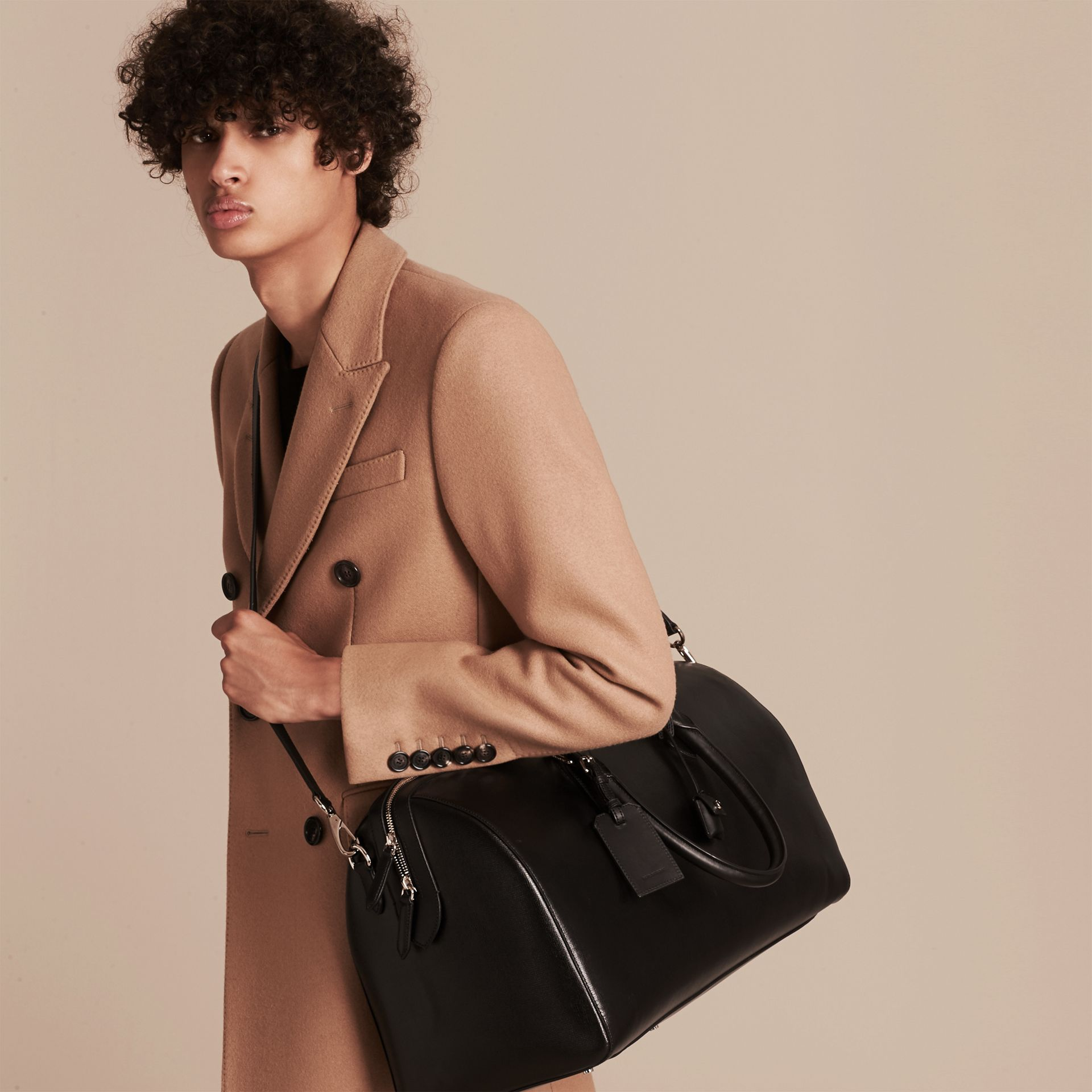 London Leather Holdall in Black | Burberry - gallery image 3