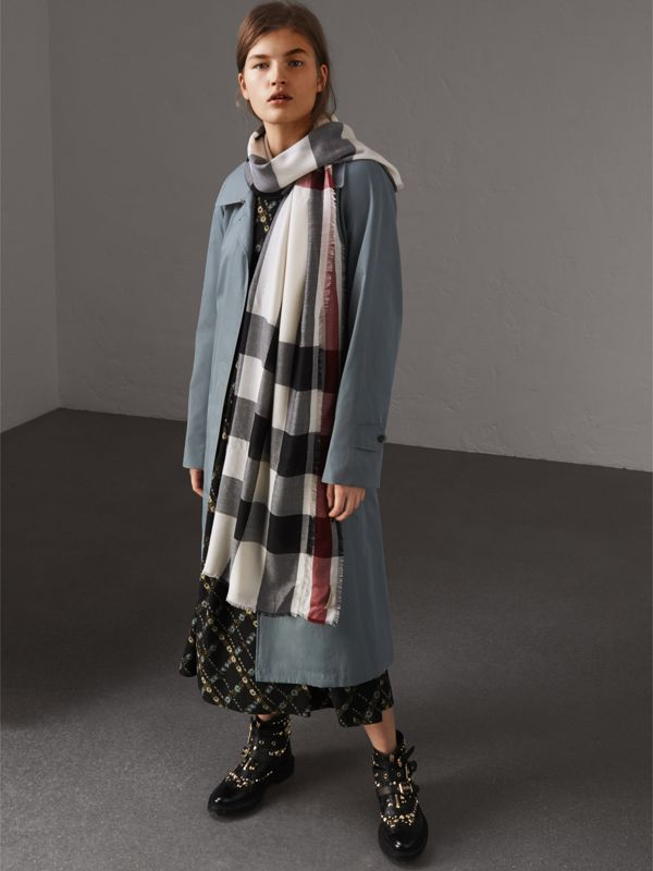 Lightweight Check Cashmere Scarf in White - Women | Burberry - cell image 2