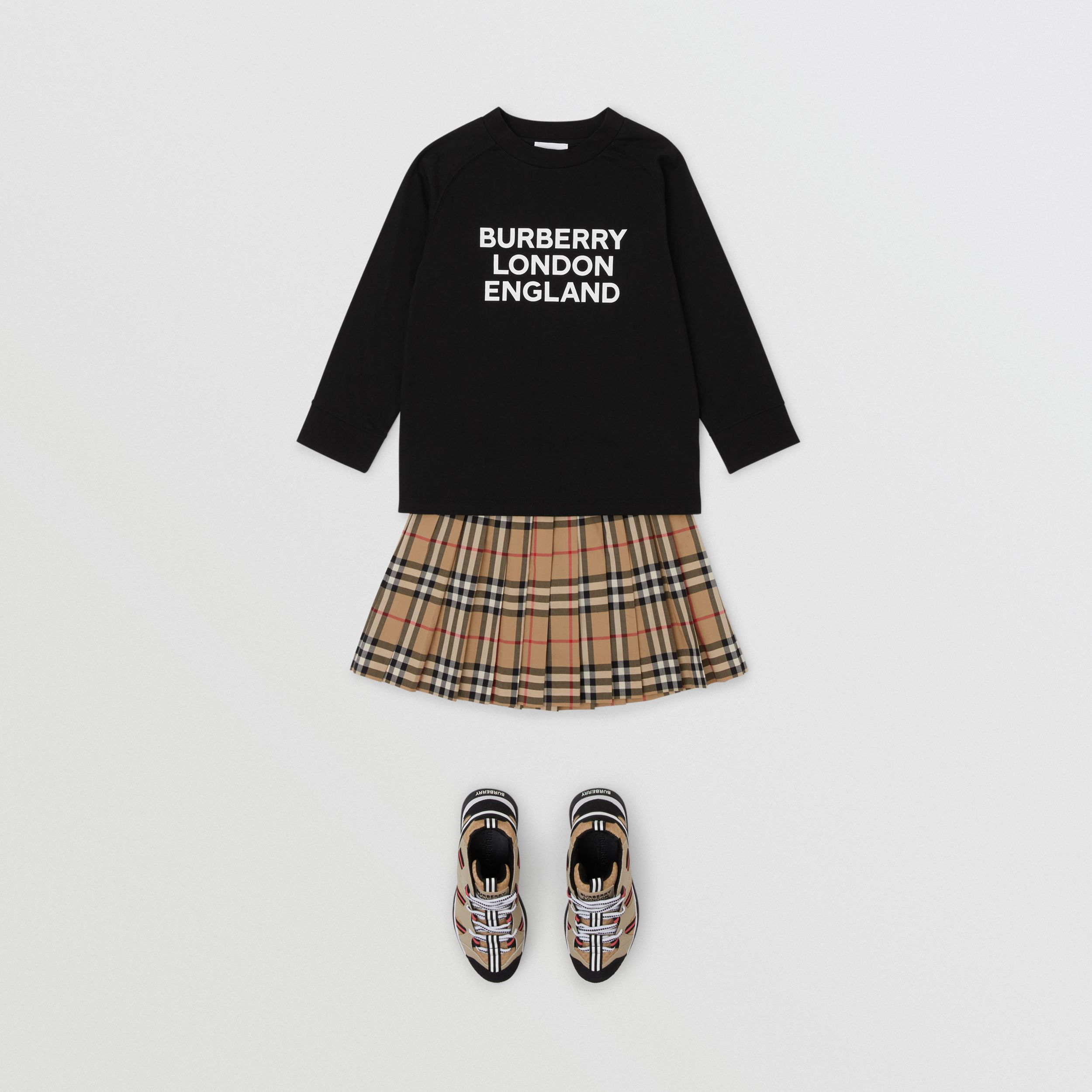 Long-sleeve Logo Print Cotton Top in Black | Burberry Australia - 3