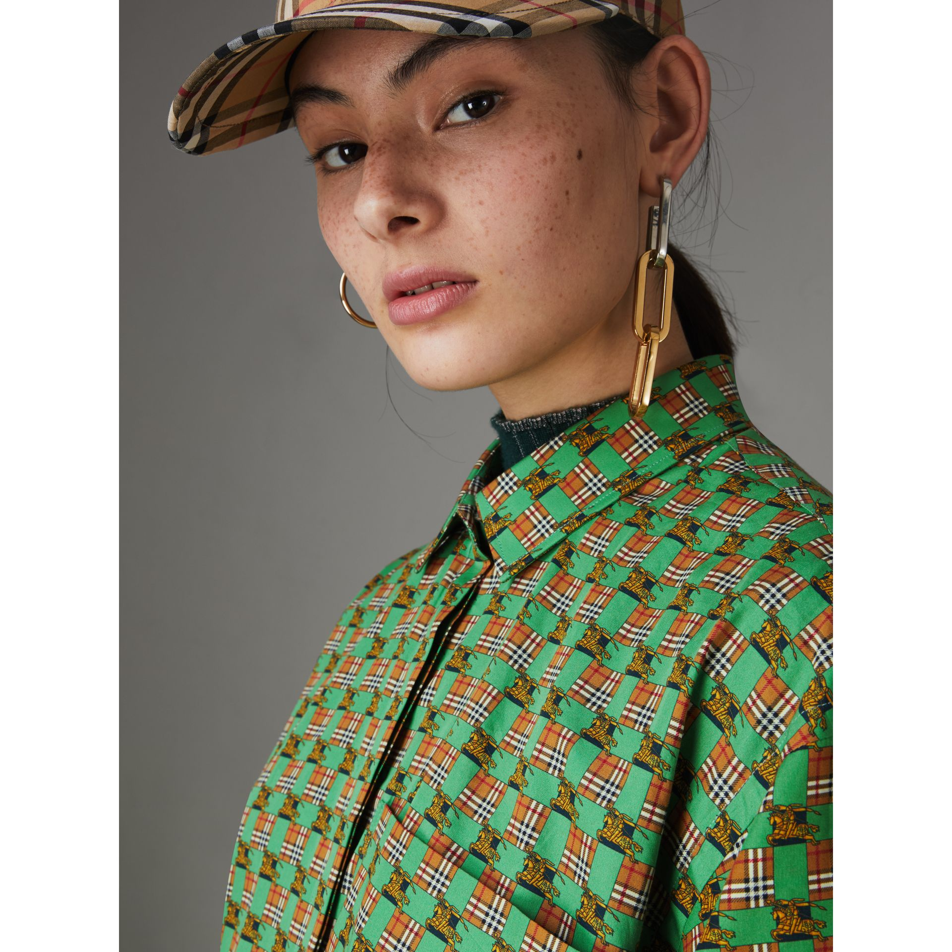 Short-sleeve Tiled Archive Print Cotton Shirt in Dark Forest Green - Women | Burberry - gallery image 1