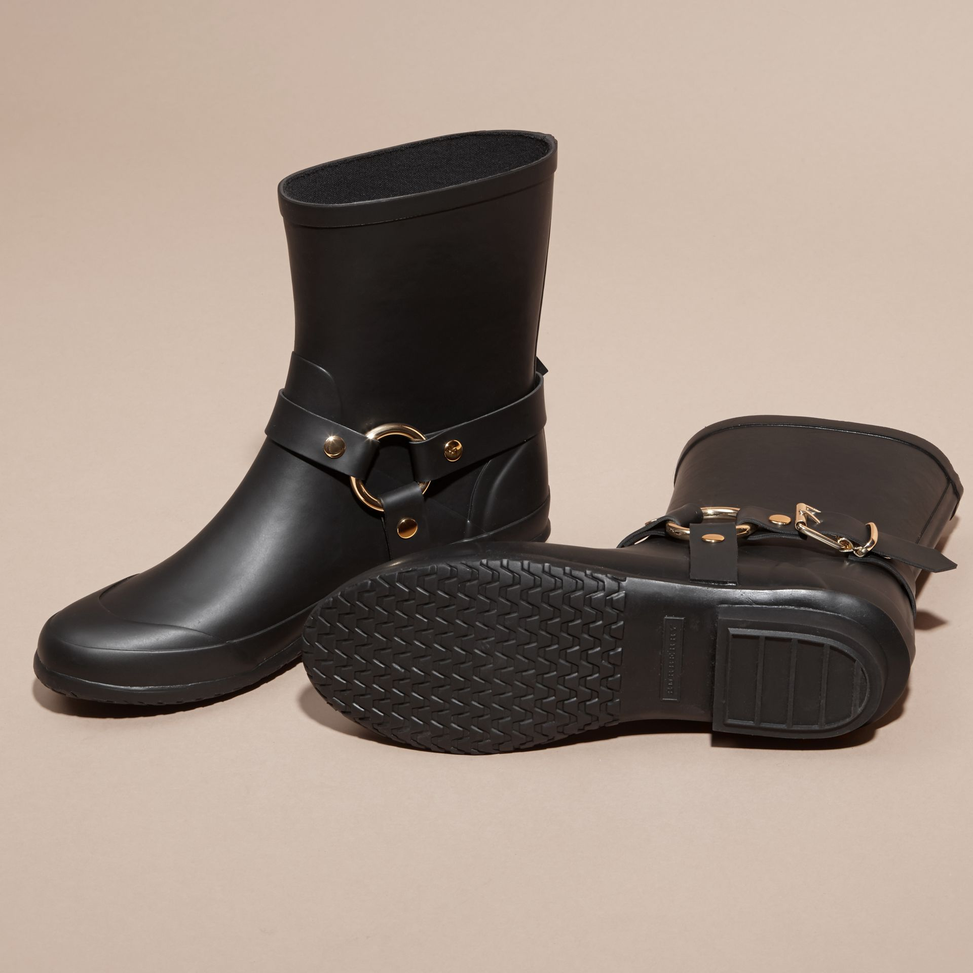 Black Belt Detail Shearling and Rubber Rain Boots - gallery image 5