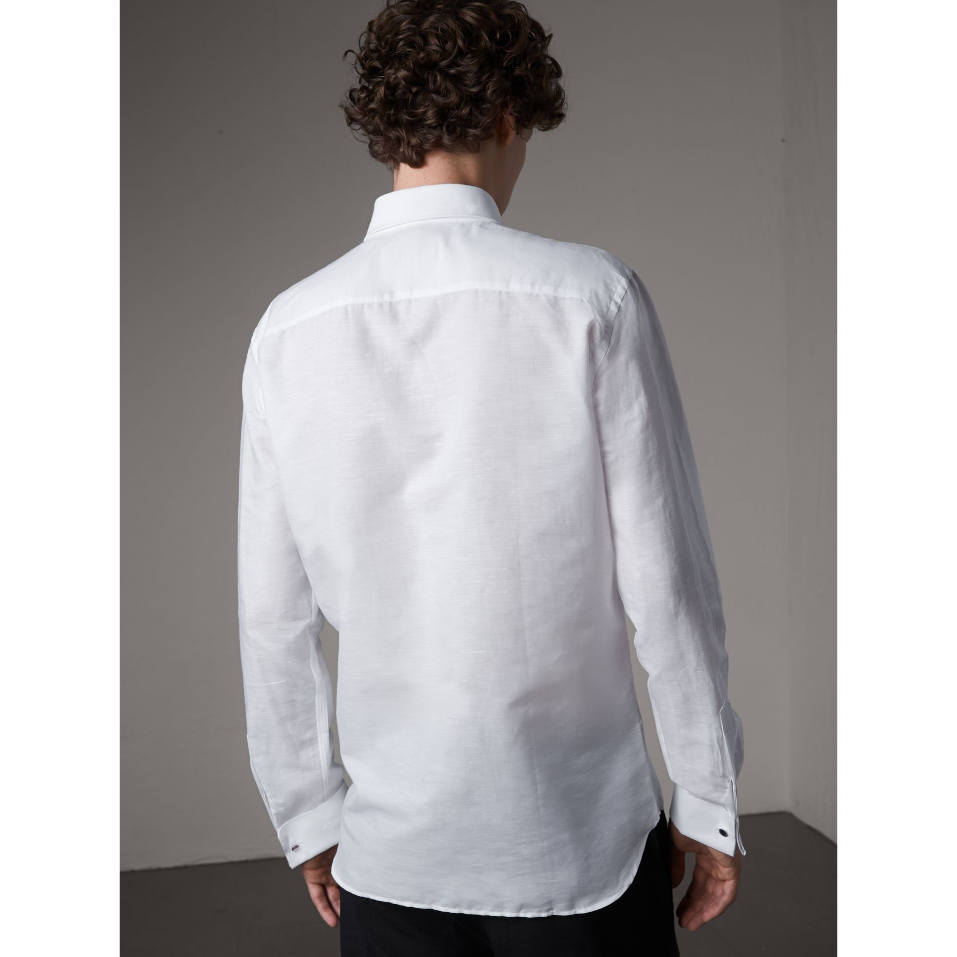 Modern Fit Linen Cotton Dress Shirt in White - Men | Burberry - gallery image 3