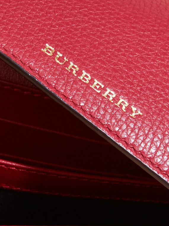 House Check And Leather Continental Wallet in Military Red - Women | Burberry Canada - cell image 2