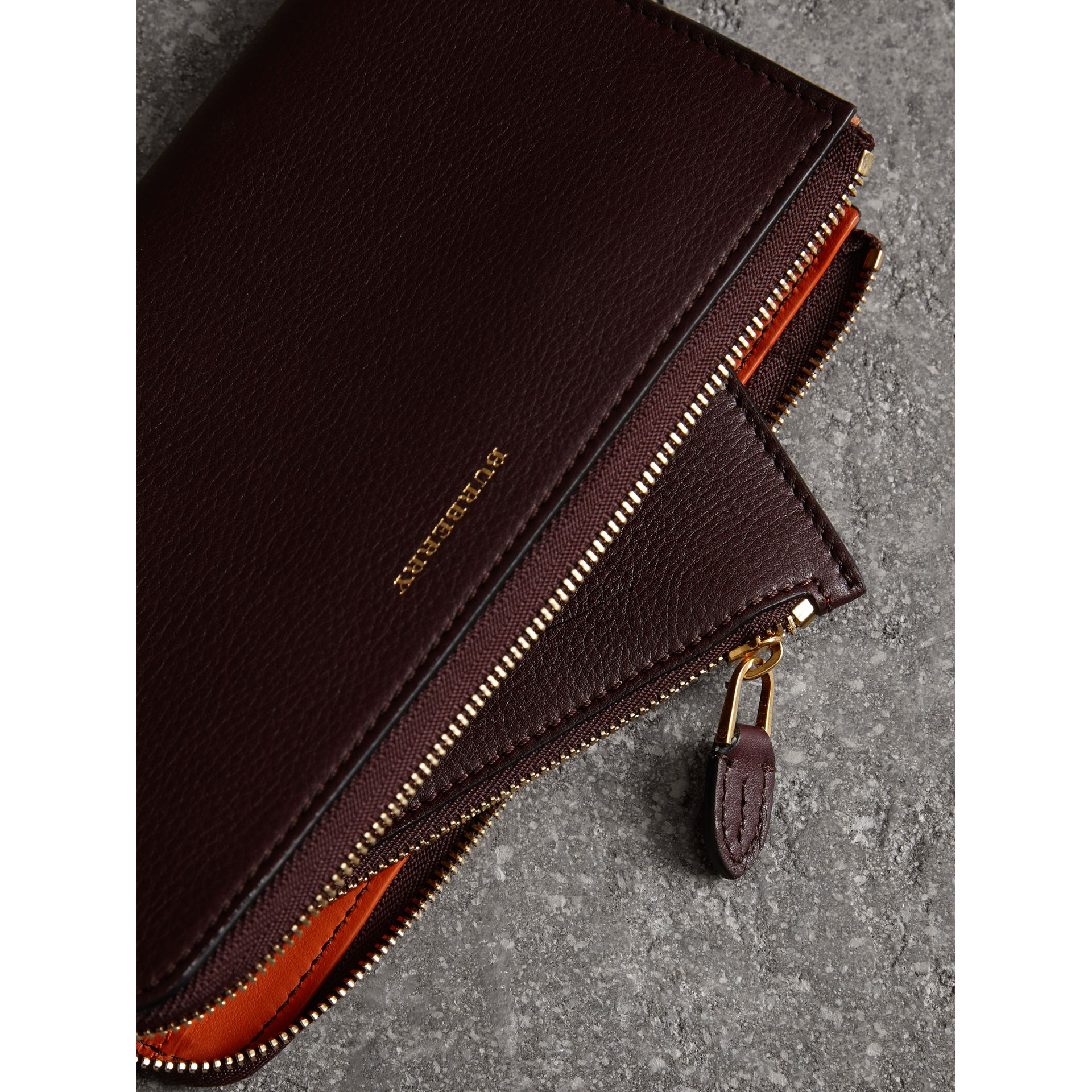 Two-tone Leather Ziparound Wallet and Coin Case in Deep Claret - Women | Burberry - gallery image 3