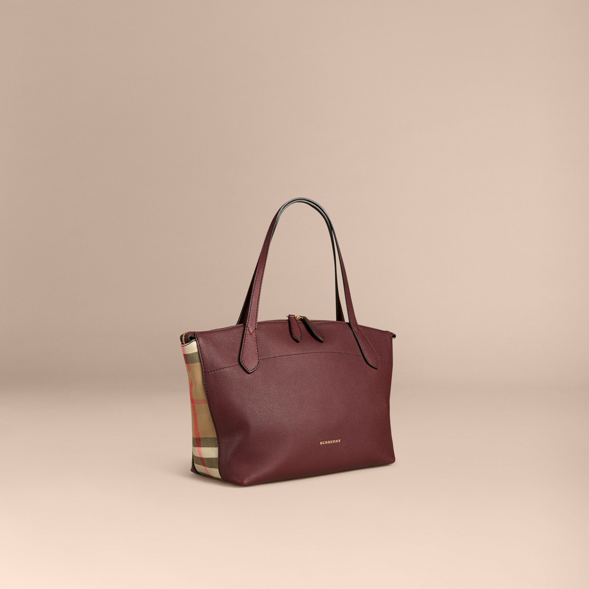 Rouge acajou Sac tote medium en cuir et coton House check Rouge Acajou - photo de la galerie 1