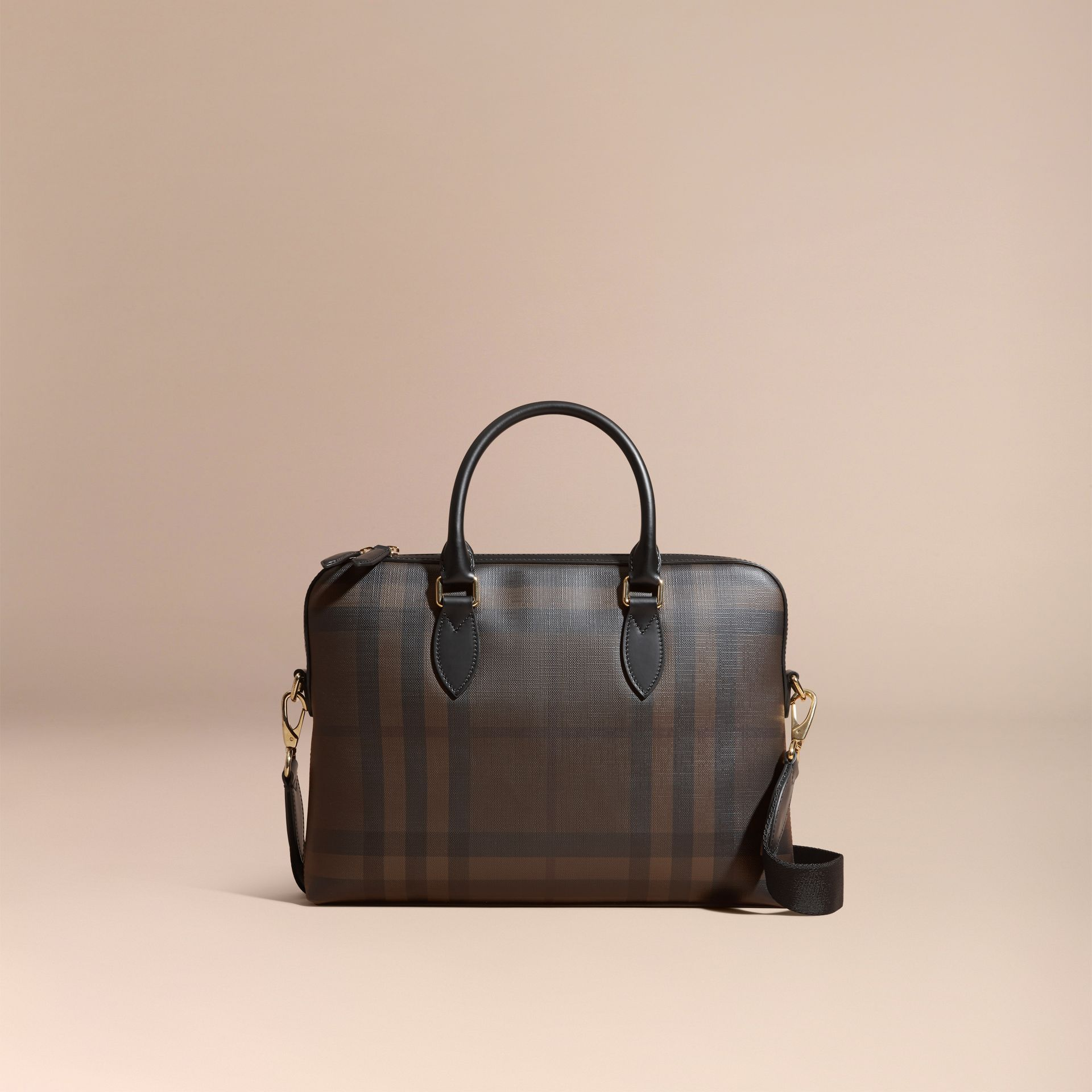 Sac The Barrow fin avec motif London check (Chocolat/noir) - photo de la galerie 8