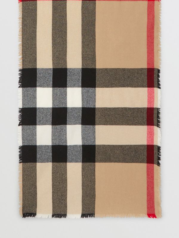 Fringed Check Wool Cashmere Scarf in Camel | Burberry - cell image 3