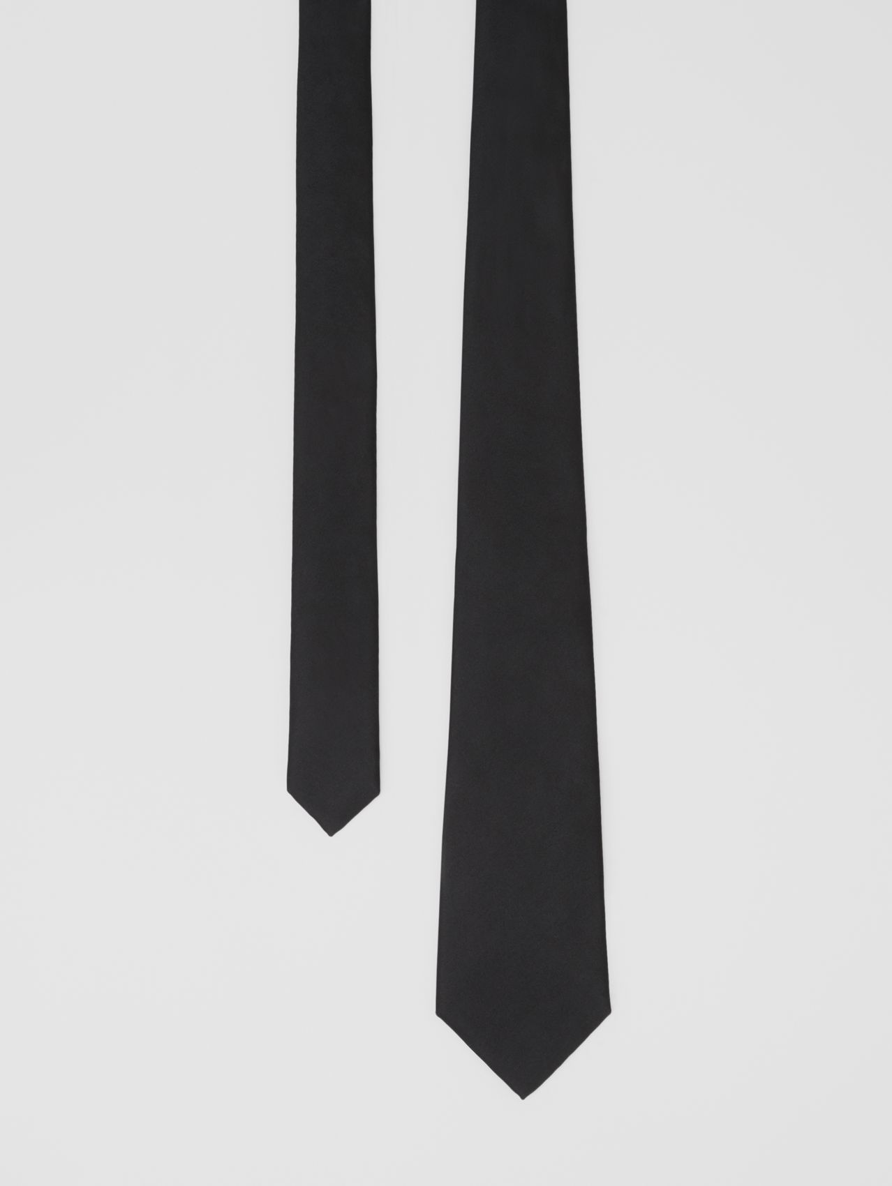 Classic Cut Silk Tie in Black