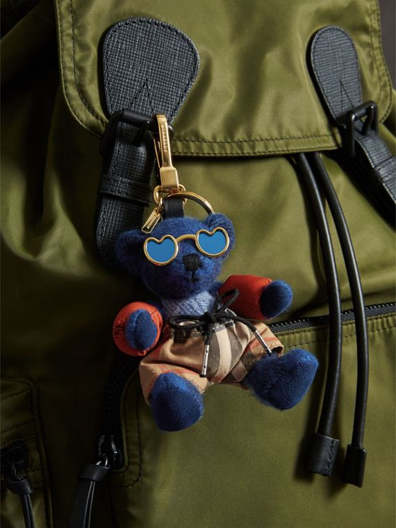 Bijou porte-clés Thomas Bear en tenue de plage (Bleu Officier) | Burberry - cell image 2