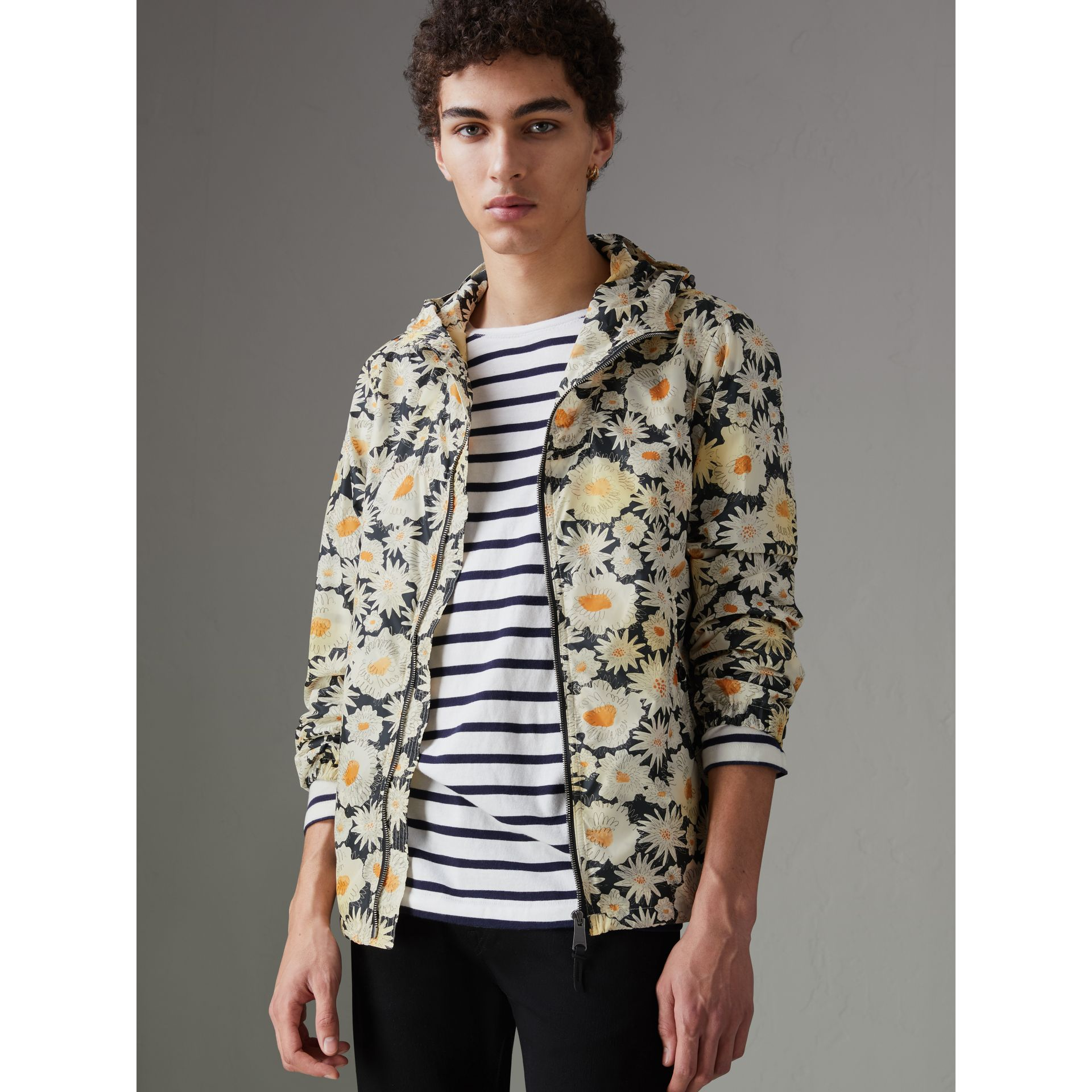 Daisy Print Lightweight Technical Hooded Jacket in Black - Men | Burberry United States - gallery image 4