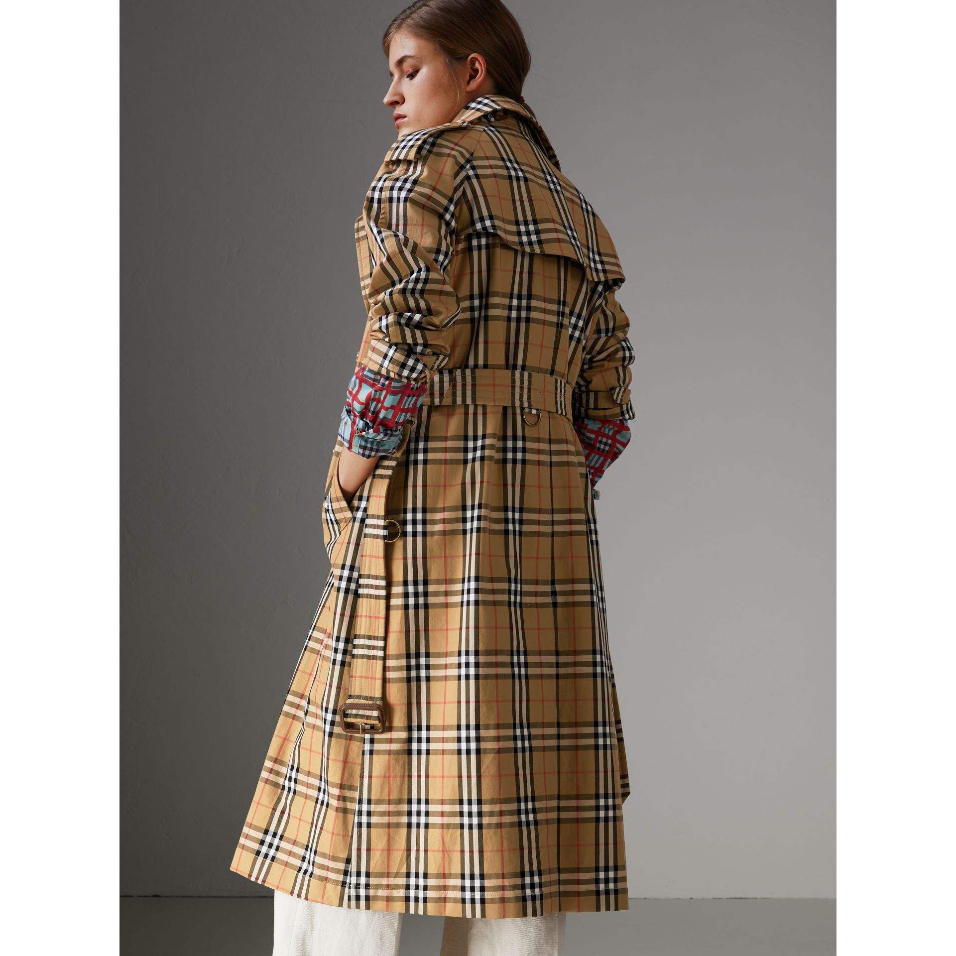 Vintage Check Cotton Trench Coat in Antique Yellow - Women | Burberry - gallery image 2
