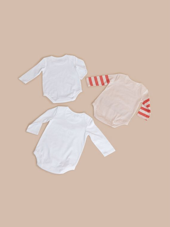 Printed Cotton Three-piece Baby Gift Set in White | Burberry - cell image 2