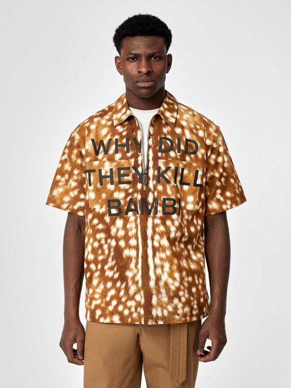 Short-sleeve Slogan Deer Print Cotton Shirt in Honey