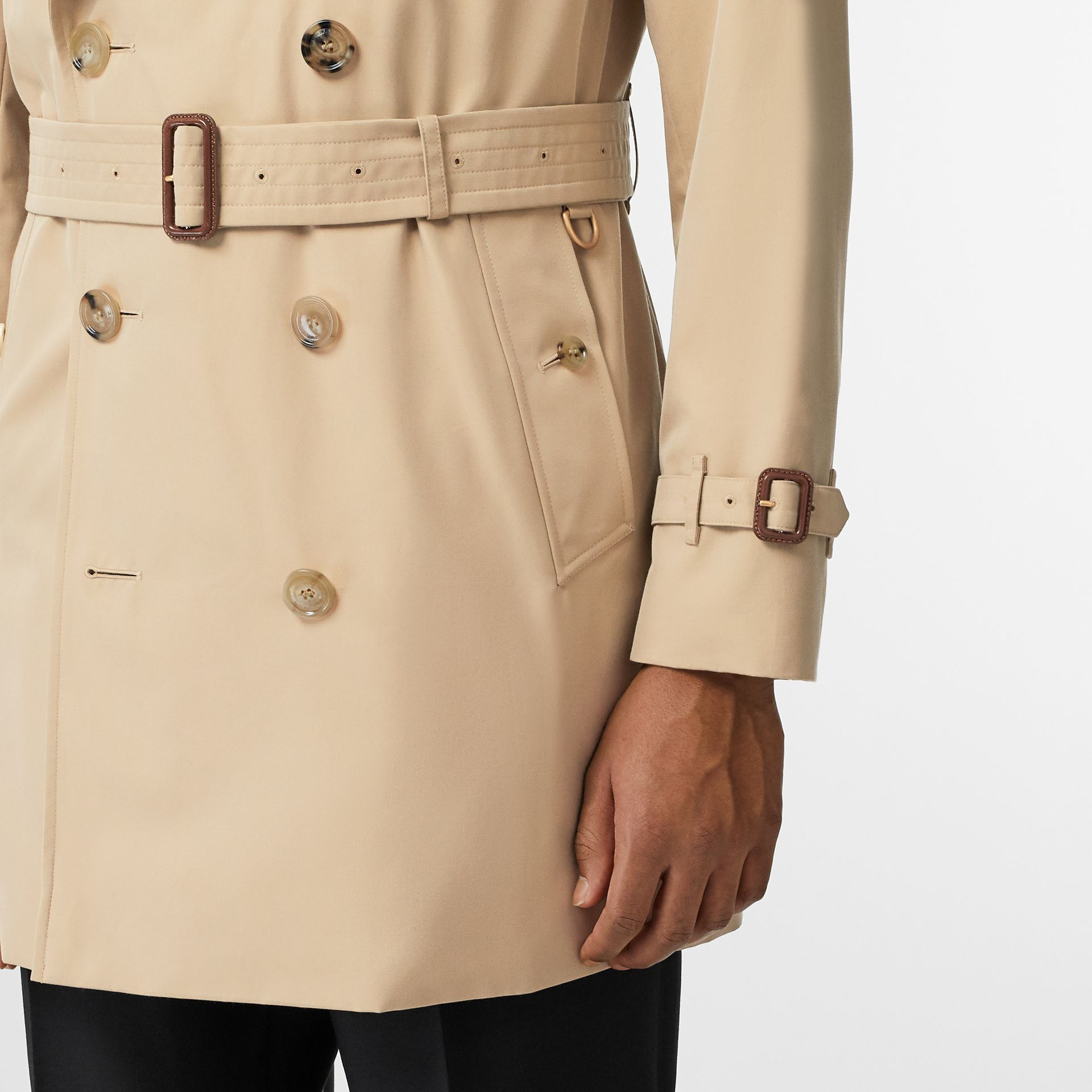 Short Chelsea Fit Trench Coat in Honey - Men | Burberry - gallery image 3