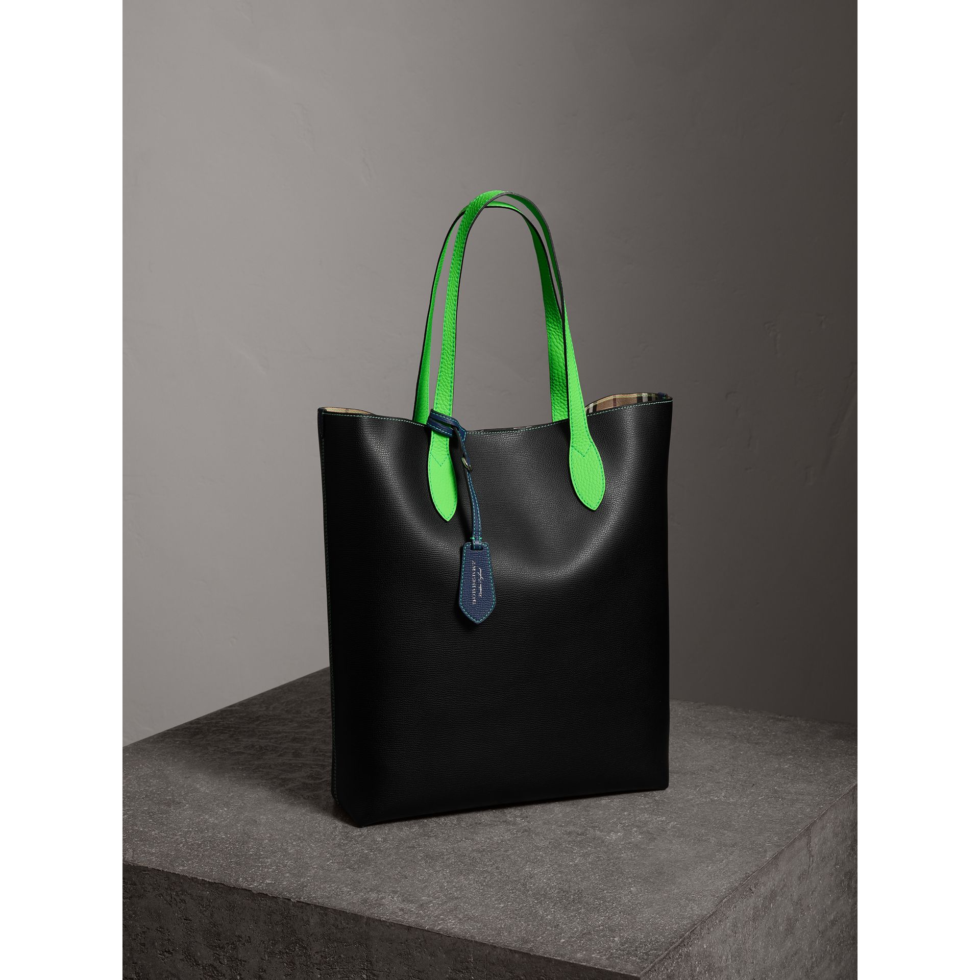 Medium Two-tone Coated Leather Tote in Black | Burberry - gallery image 6