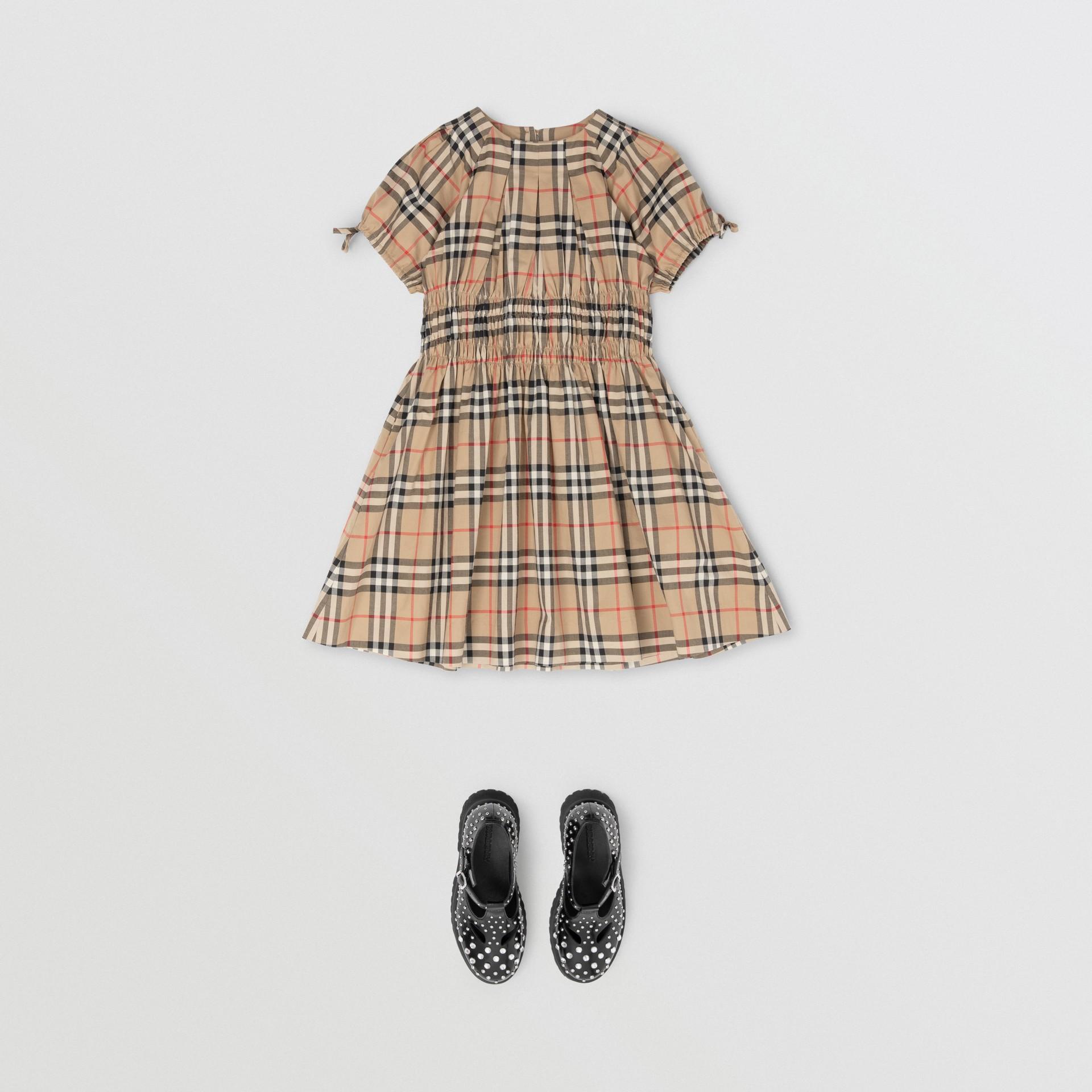Vestido de algodão com estampa Vintage Check e recorte franzido (Bege Clássico) | Burberry - galeria de imagens 2