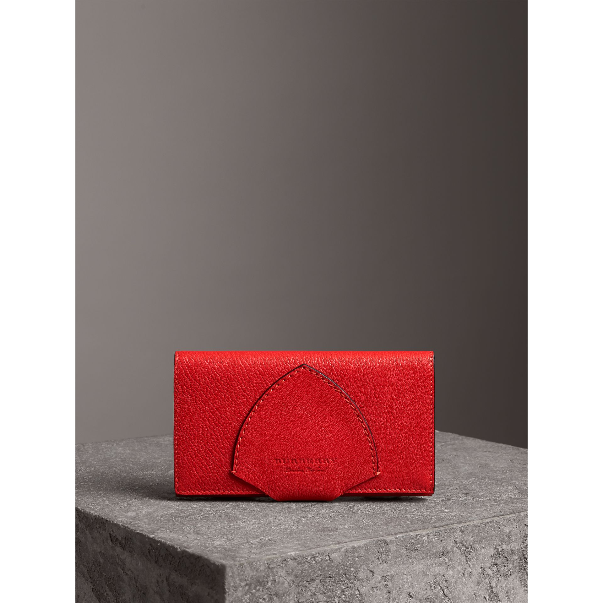 Equestrian Shield Two-tone Leather Continental Wallet in Bright Red - Women | Burberry Singapore - gallery image 4