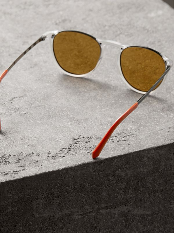 Keyhole Pilot Round Frame Sunglasses in Crystal - Men | Burberry - cell image 3
