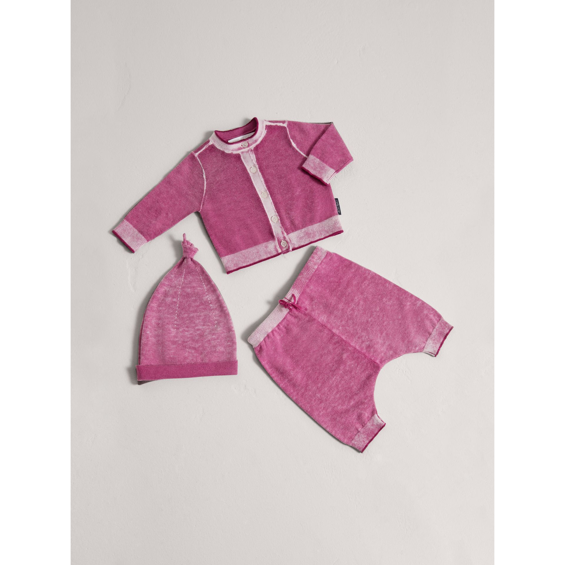 Cashmere Cotton Three-piece Baby Gift Set in Plum Pink | Burberry - gallery image 0