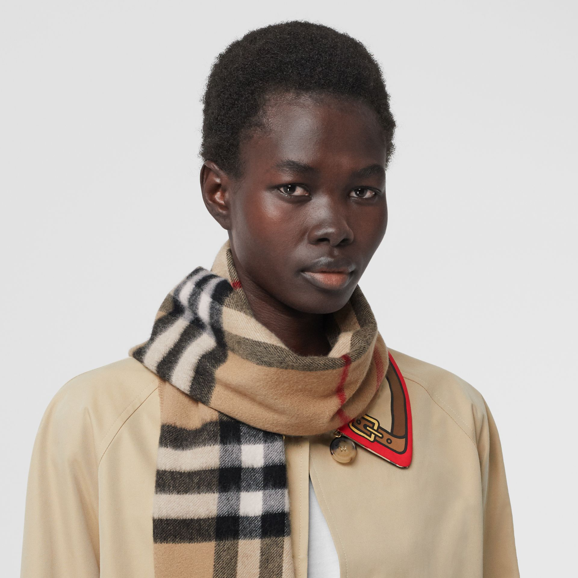The Classic Check Cashmere Scarf in Archive Beige | Burberry United Kingdom - gallery image 2