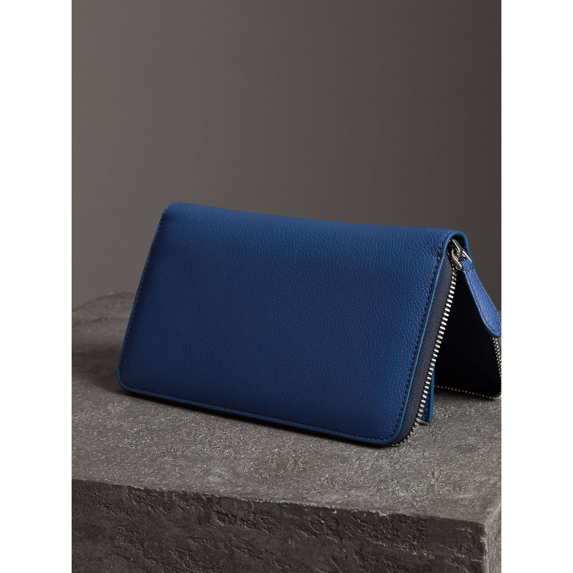Grainy Leather Ziparound Wallet in Bright Ultramarine - Men | Burberry United States - gallery image 2