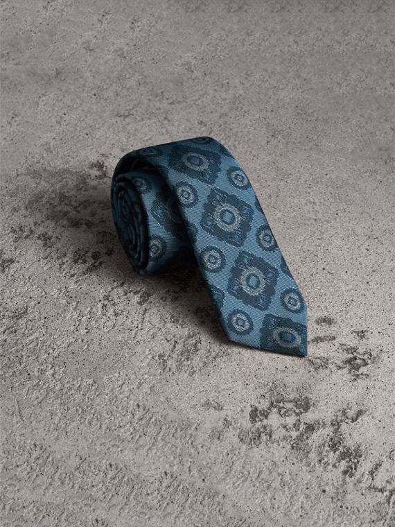 Slim Cut Tiled Floral Silk Jacquard Tie in Canvas Blue