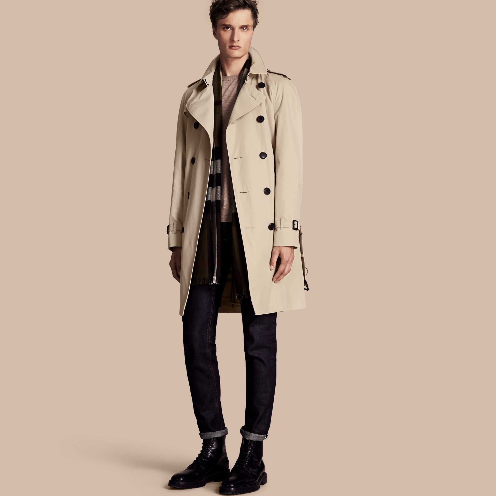 Stone The Wiltshire – Long Heritage Trench Coat Stone - gallery image 1