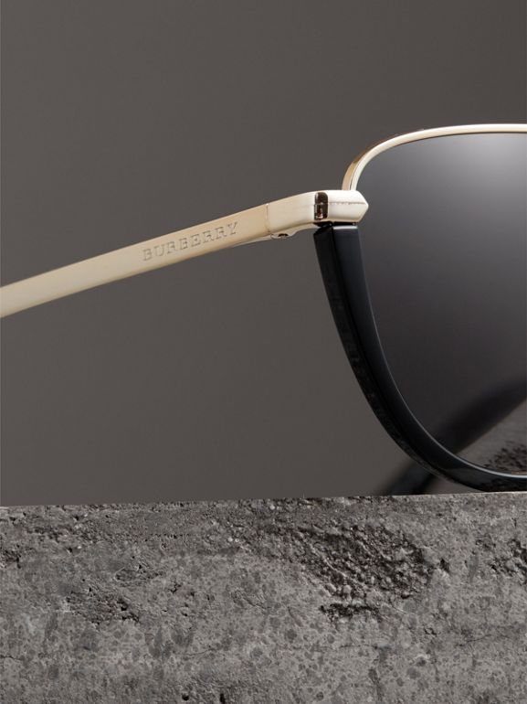 Half Moon Pilot Round Frame Sunglasses in Black - Women | Burberry Hong Kong - cell image 1