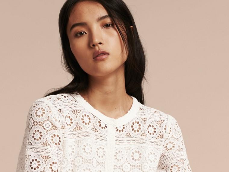 Branco natural Vestido camisa de renda de algodão - cell image 4