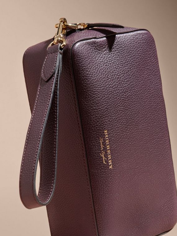 Dark amethyst Grainy Leather Washbag - cell image 2