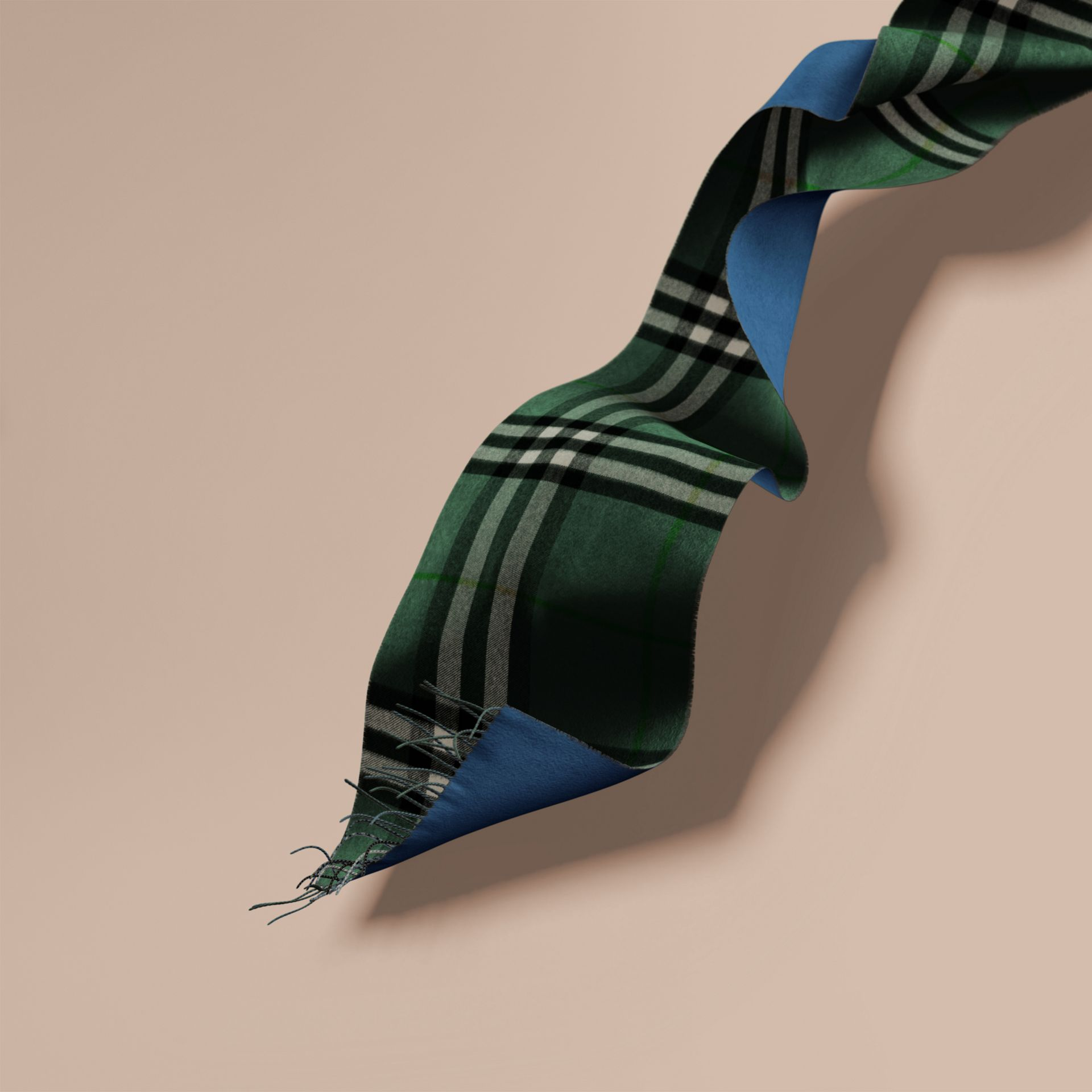 Reversible Check Cashmere and Block-colour Scarf Dark Forest Green/marine Blue - gallery image 1