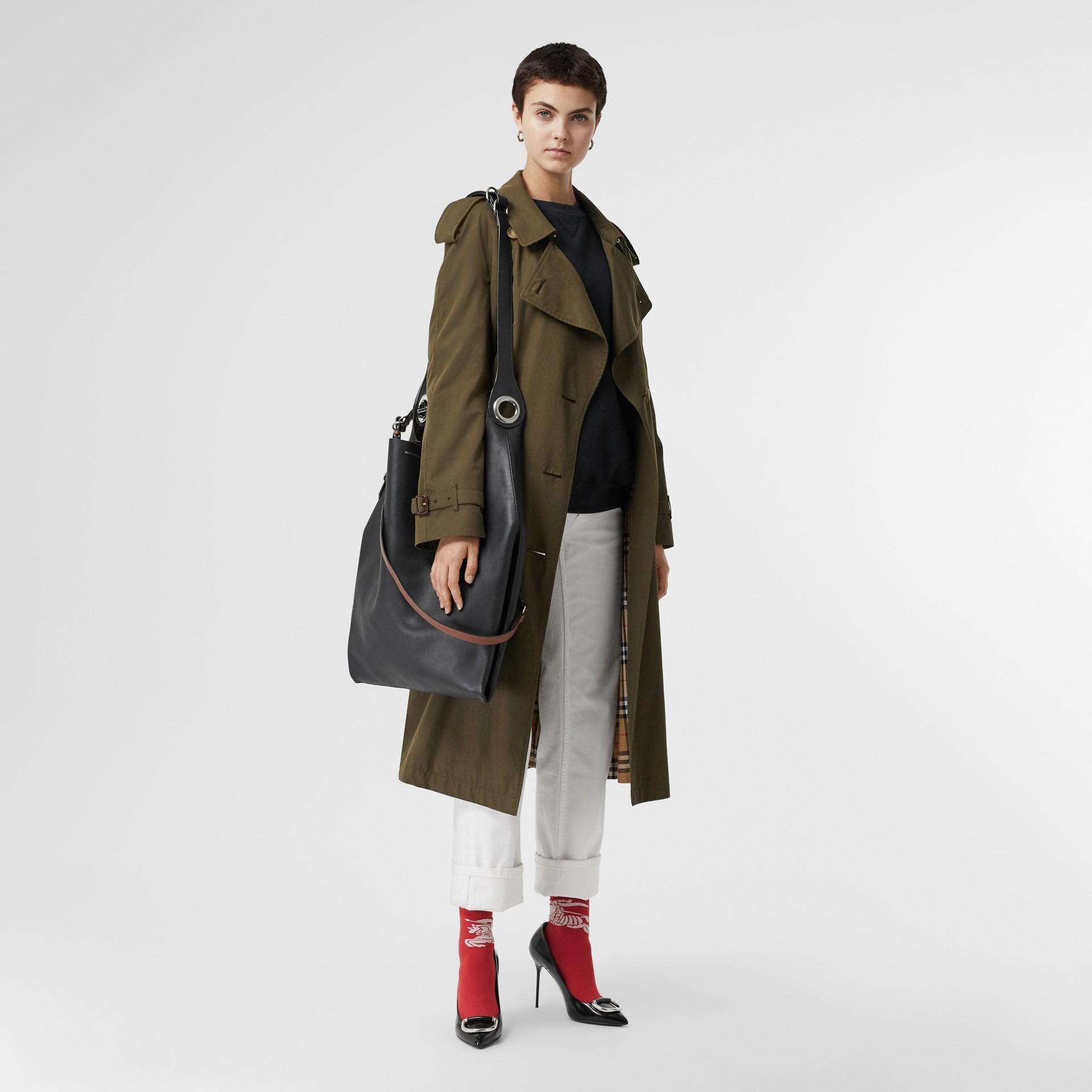 Кожаная сумка с люверсами (Черный) - Для женщин | Burberry - изображение 2