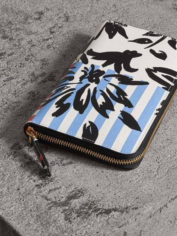 Floral Stripe Print Leather Ziparound Wallet in Patchwork - Men | Burberry - cell image 2